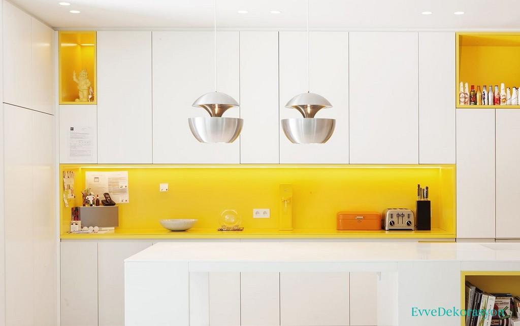 Açık Sarı Beyaz Mutfak Tasarımı