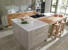 Açık ahşap beyaz açık mutfak