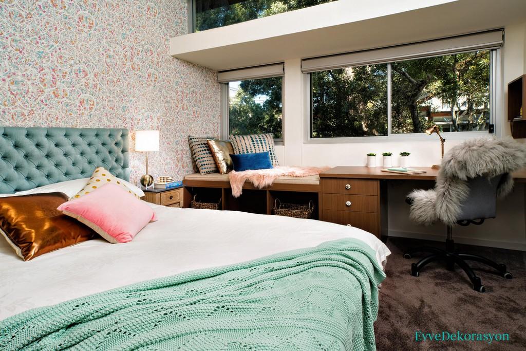Çatı katı mobilyası