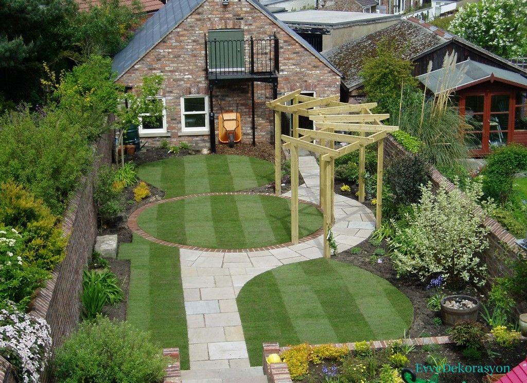 Küçük evlerde bahçeler