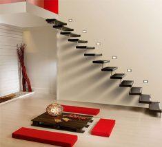 Siyah basamaklı merdiven dizaynı
