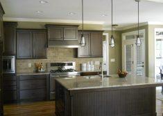 Koyu Renkli Açık Mutfak Tasarımı