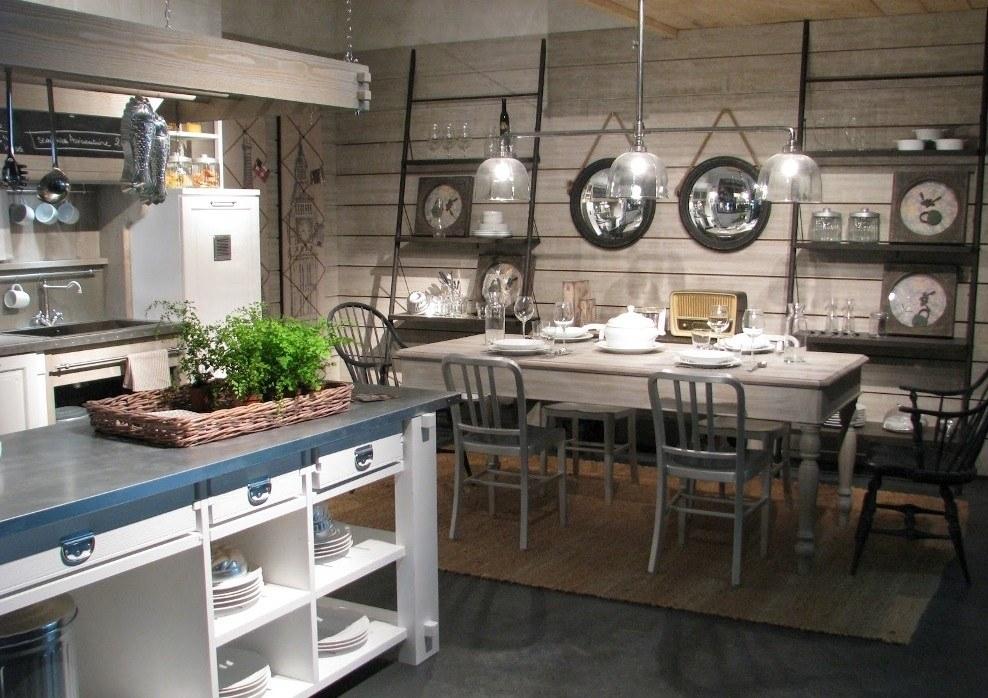 Mavi beyaz ada mutfak tasarımı