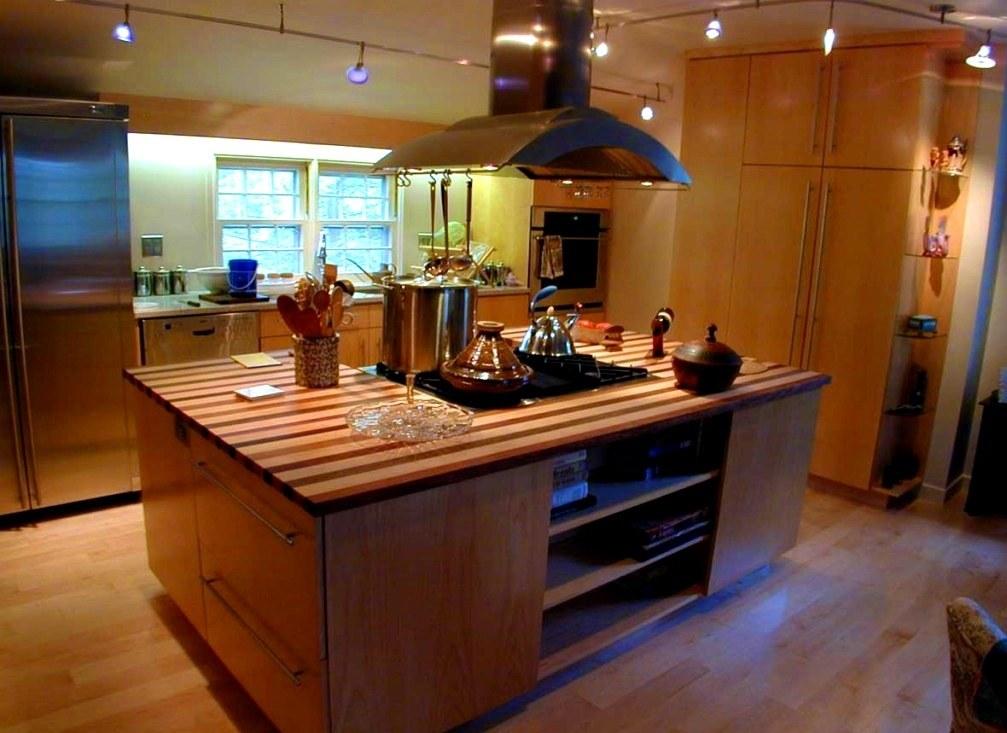 Ahşap Modern Ada Mutfak Tasarımı