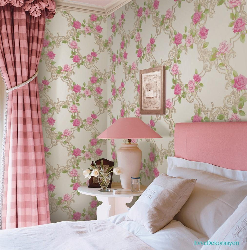Duvarlarda Çiçek Desenleri