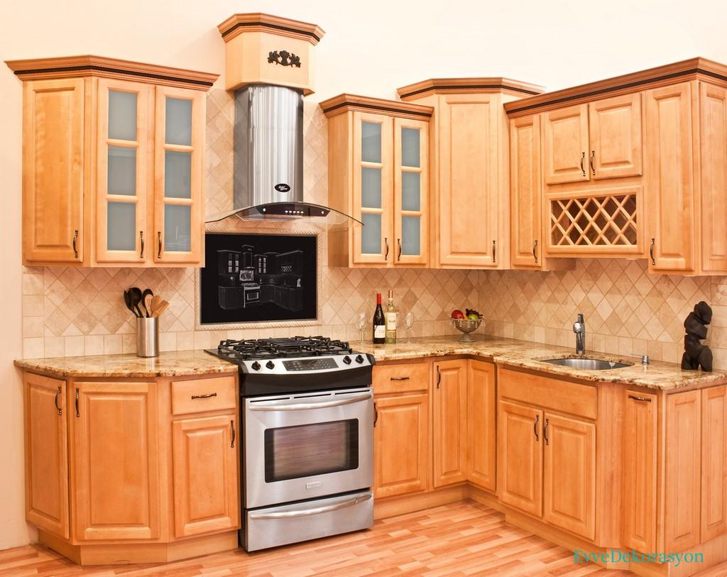 Açık Tonlarda Ahşap Mutfak Dolap Tasarımları