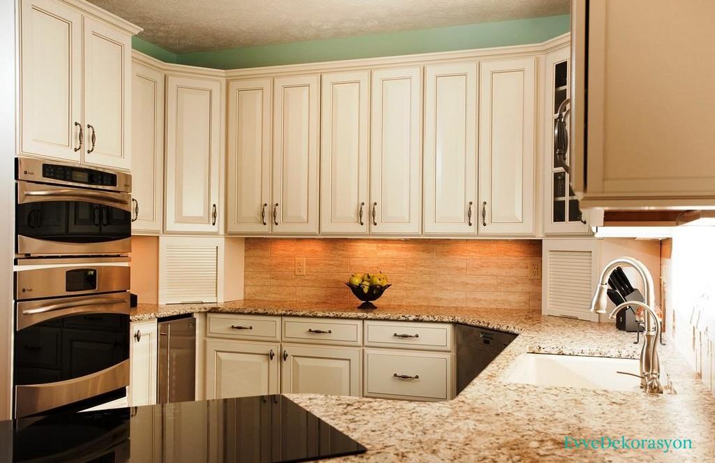 Beyaz Ahşap Mutfak Dolap Tasarımı