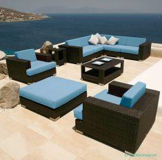 Mavi Minderleri Olan Harika Balkon Koltukları