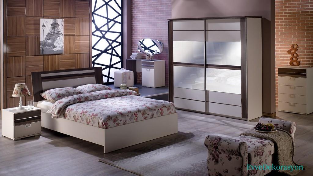 Çiçek Desenli Yatak Odası Takımları
