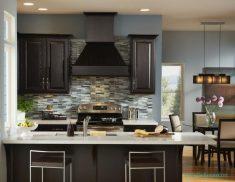 Koyu Renklerin Mutfaklarda Kullanımı
