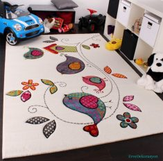 Merinos Halı Beyaz Desenli Çocuk Odası Halısı
