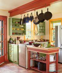 Mutfaklarda Değişik Renklerle Güzel Bir Mutfak Dekorasyonu