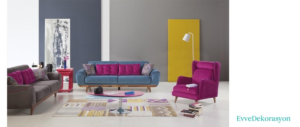 Farklı renk kombinasyonlarındaki koltuk takımları