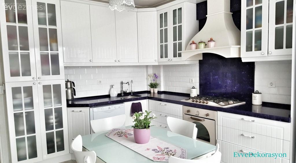 Zarif Beyaz Mutfak Dolap Tasarımı